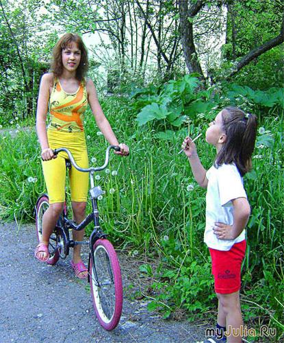 Весна, велосипед и дети.