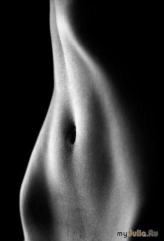 фотографии женской груди фотографируёт саит себя без лица