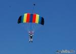 Красота в небе: парашютисты