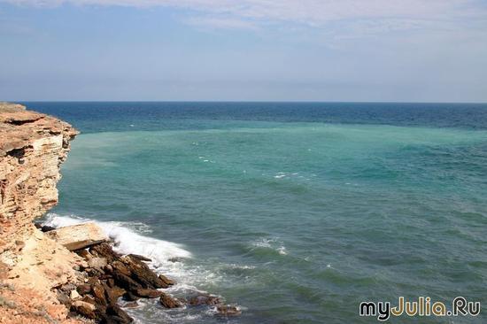 Море, скалы...