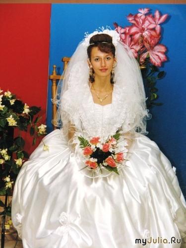 Кукла-невеста (руками не трогать и на машину не сажать!)