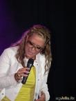 Анастейша. Миниатюрная блондинка с грандиозным негритянским вокалом.