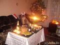 Хозяйка праздничного стола за ним же! =)