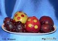 Яблоки в горошек