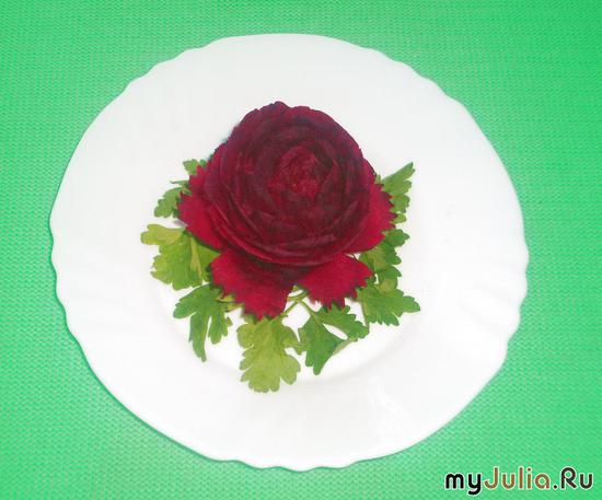 Роза с резными лепестками