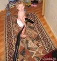 Веронике было года два, но она уже вовсю помогала маме по дому!
