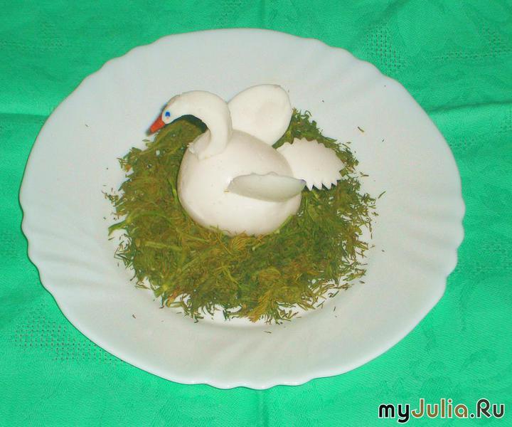 Как сделать лебедя из яиц