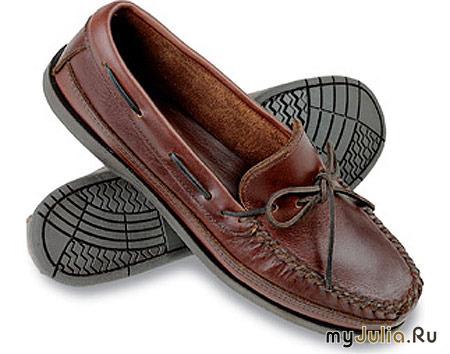 Сабо и клоги – модная обувь на грубой платформе, созданная по мотивам  деревенской деревянной обуви. Эти модели неплохо смотрятся и с мини, и с  шортами, ... c2b7ab6398e