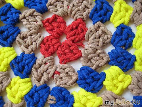 Вяжем коврики на пальцах