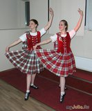 Шотландский танец( я справа)