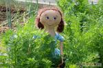 Босоногая деревенская девчонка