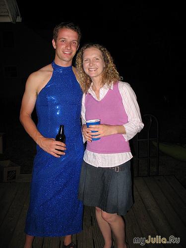 Переодевание в женском платье