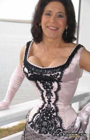 Кэти Юнг – обладательница самой тонкой талии в мире 493128_1174nothumb500