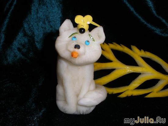 Кошка из дайкона