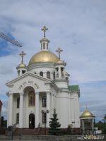 Мамин день: храм Веры, Надежды, Любви в Полтаве