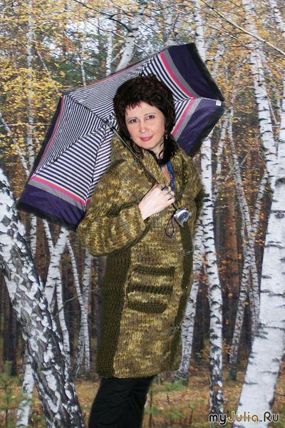 Подумав, решила обновить гардероб ,захотелось вязаное пальто из толстых ниток, чтобы как шуба было, тёплое.