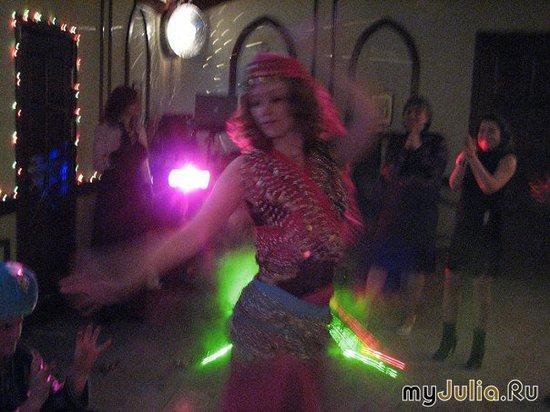Самый сексуальный спорт - восточные танцы.