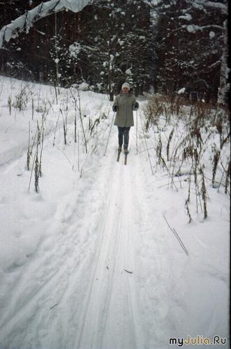 На лыжне я отличусь - далеко вперёд умчусь!