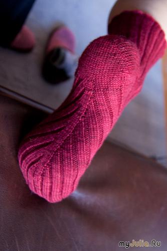 Спицы носки связанные по косой