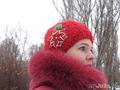 Теплая шапка с цветком из бисера