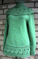 Зелёный пуловер с воротником-манишкой