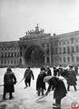 Уборка снега на Дворцовой площади