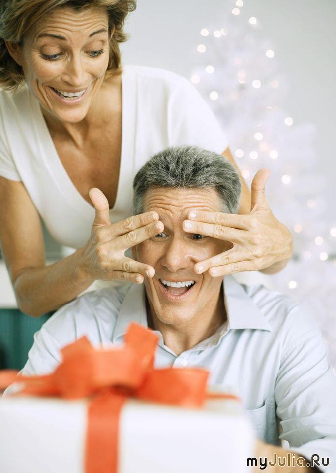 Подарила своему молодому человеку на новый год