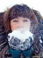 В моих ресницах запутался снег...