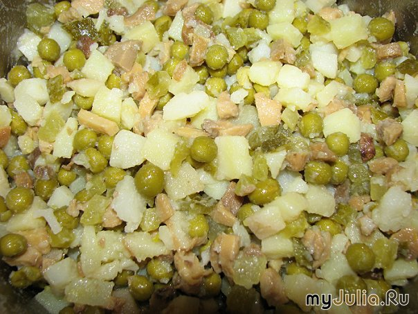 Главной ведущей салат с солеными грибами и картофелем Рева Радиусные шкафы-купе:
