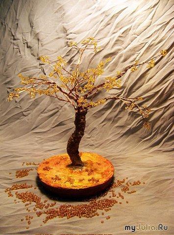 Мои любимцы.  Деревья из бисера.