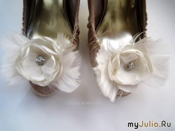 Цветы из кожи на туфли своими руками 19