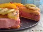 Творожный торт с кусочками персиков «Фруктовый микс»