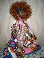 вот и моя экзотическая кукла-статуэтка.