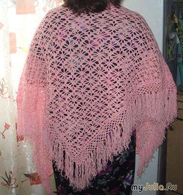 Ажурная  розовая шаль Паучок