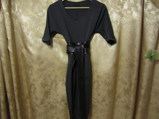Фирменное платье, стильный фасон, широкий кож.пояс разм.(L), ц.3.500т.р.
