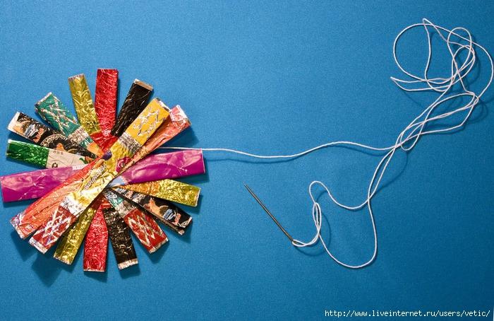 Поделки из маленьких фантиков от конфет