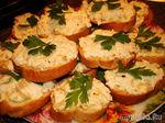 Бутербродики с рубленными яйцами и пассерованным луком