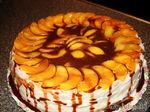 Бисквитный торт с маскарпоне и персиками