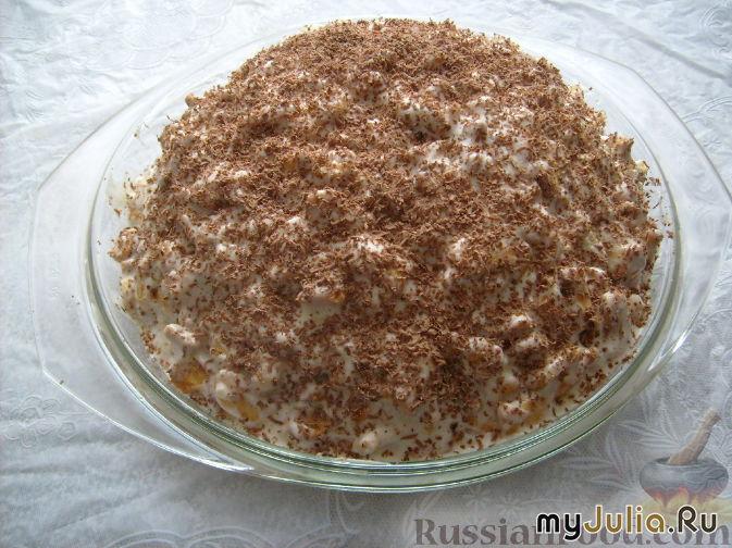 Торт из печенья без выпечки со сметаной бананами