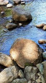 Камешки на речке