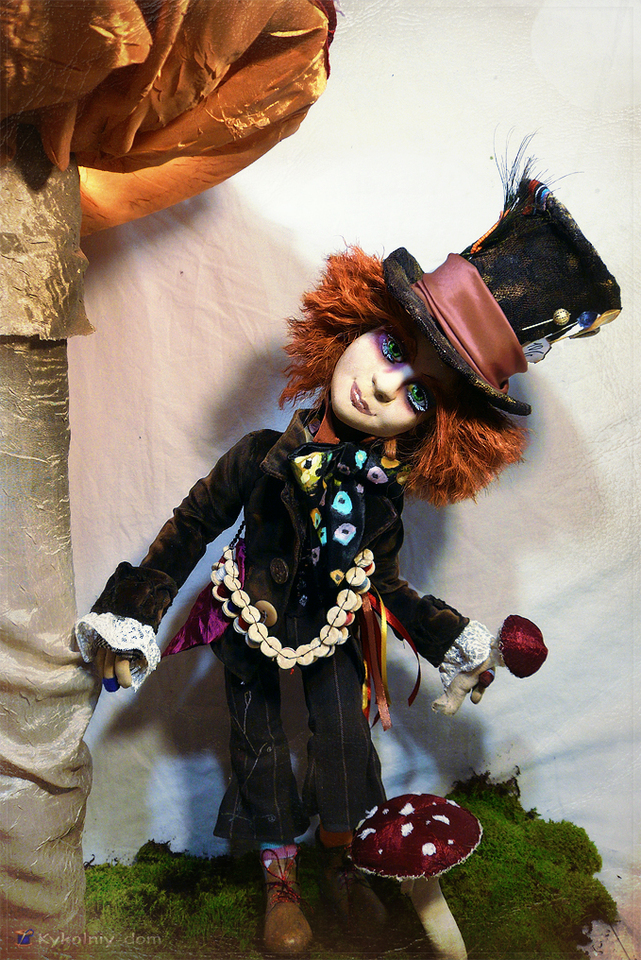 Шляпник кукла