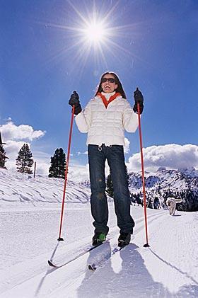 чем полезны лыжи для здоровья женщины