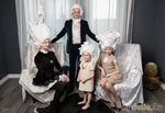 Российская художница Ася Козина создает потрясающие бумажные парики в стиле барокко