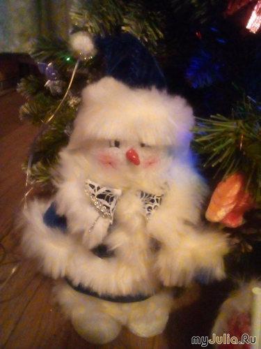 Игрушка под ёлку:Снеговик