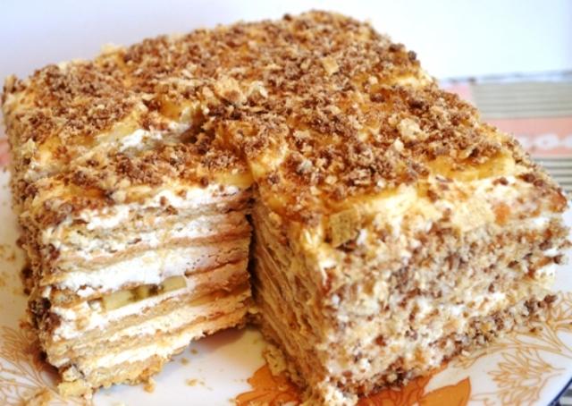 Рецепт торта без выпечки из печенья со сметаной
