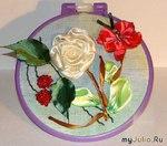Белая роза с вишенками и бабочкой.МК Автор: Иришка