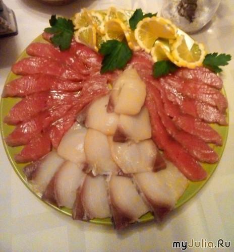 Рыбная тарелка с лимоном