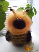 Пчёлка - ГИГАНТ!