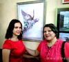на выставке картин с дочерью