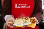 120 тысяч порций блинов съели гости «Московской масленицы» за первые пять дней фестиваля